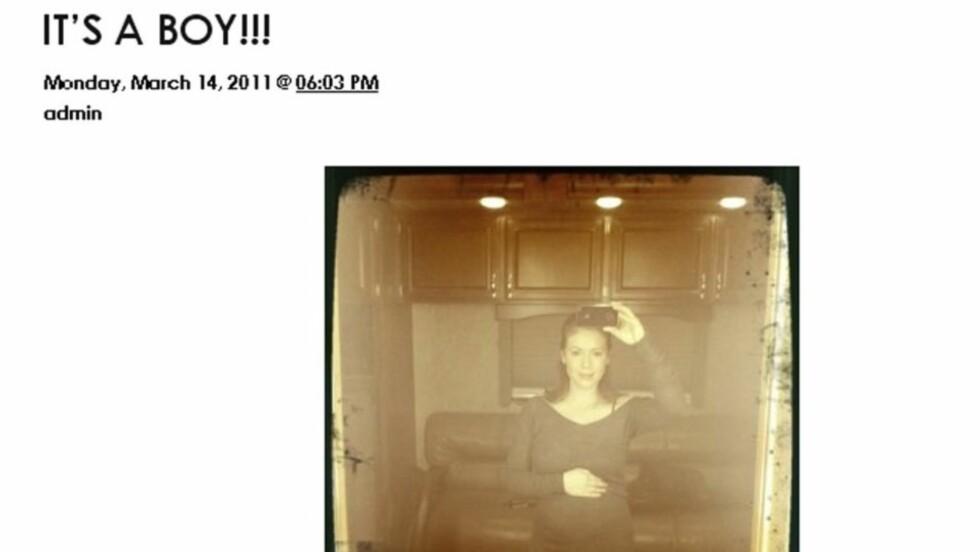 NY TREND: Etter at Twitter og hjemmesider er blitt vanlig kost, velger mange kjendiser å ta nyhetene i egne hender og offenliggjøre alt fra graviditet og babybilder til kommentarer og PR-nyheter på nettet. Her fra Alyssa Milanos hjemmeside. Foto: alyssa.com