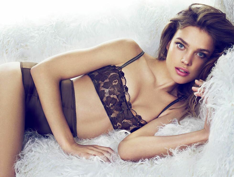 LANGT SAMARBEID: Dette er langt i fra første gang Natalia Vodianova er modell for kles- og undertøysmerket Etam. Hun har også designet undertøy for det franske merket. Her fra merkets vinterkolleksjon i 2010.  Foto: Stella Pictures