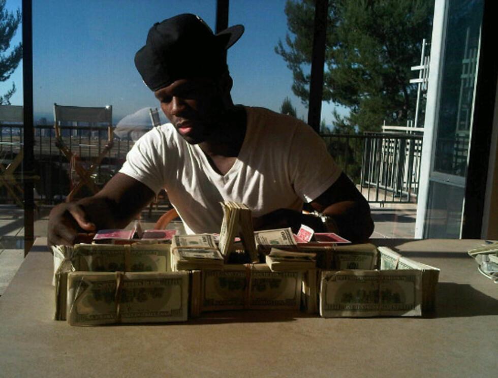 BYGGER BORG: 50 Cent med en halv million dollar, tilsvarende 2,8 millioner kroner. Foto: Stella Pictures