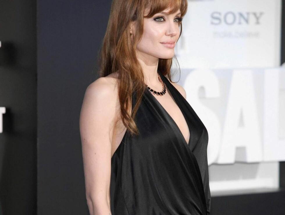 <strong>I BERLIN:</strong> To dager etter London-premieren av Salt, stilte Angelina opp i denne løse kjolen i Berlin. Foto: All Over Press