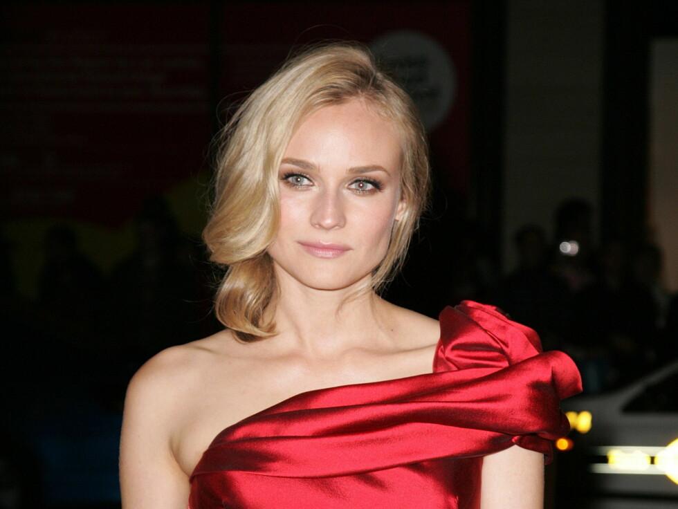 LEGGER SIN EGEN SMINKE: Selv om Diane Kruger av omriget av skjønnhetseksperter og stylister i Holywood, så liker hun å sminke seg selv før premierer. Foto: STELLA PICTURES