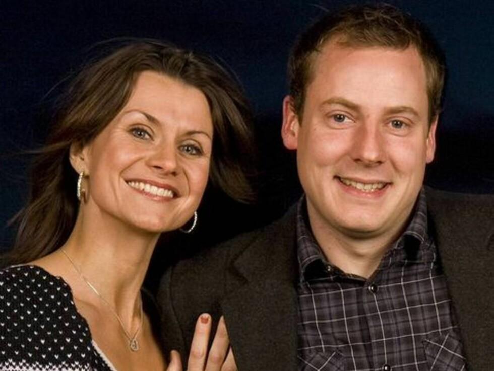 BLIR FAR IGJEN: Torleif Mørk blir i juli pappa for andre gang, også denne gang venter kjæresten en lien jente. Her er Torleif avbildet sammen med mangeårig «Jakten på kjærligheten»-programleder Katrine Moholt. Foto: TV 2