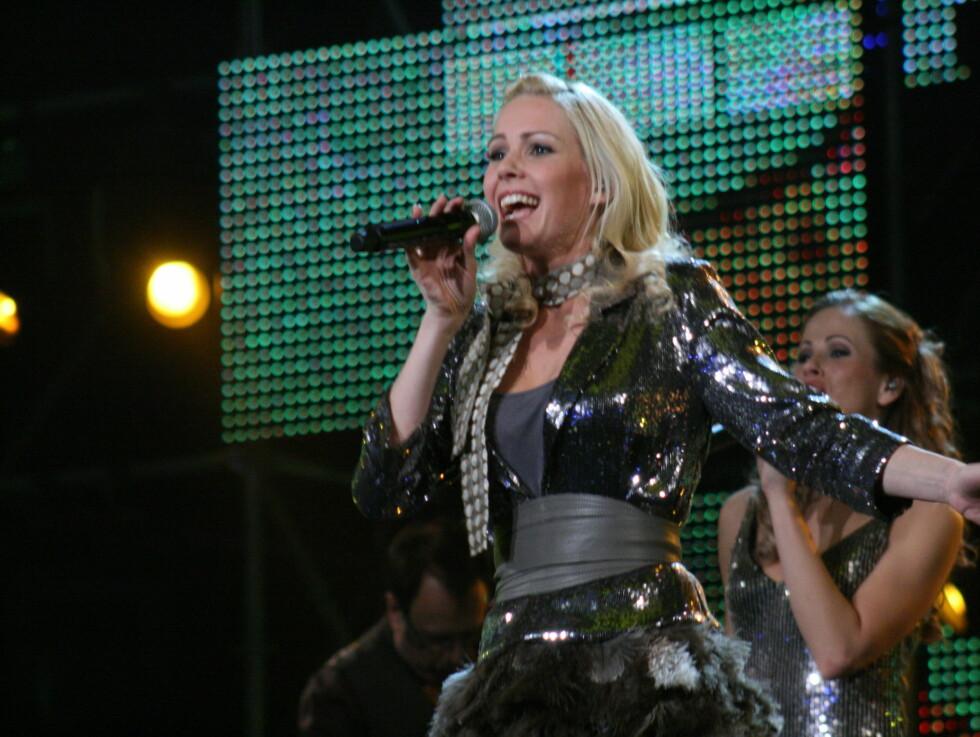OVERTROISK? Til Radio Norge forteller MGP-aktuelle Venke Knutson at hun alltid må ha en halspastill i lomma når hun synger. Foto: Anders Myhren, Seher.no
