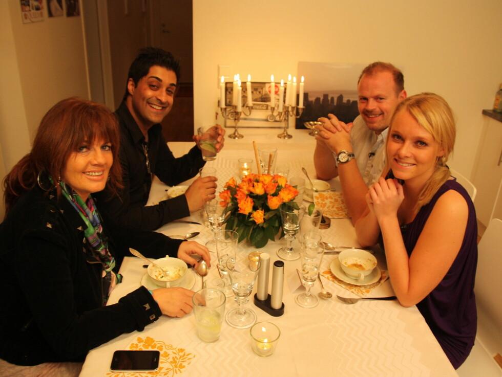 <strong>INVITERTE TIL FEST:</strong> Onsdag er det Henriette Bruusgaards tur til å invitere Tommy Steine, Berit Riise og Tommy Sharif til middag.  Foto: TVNorge
