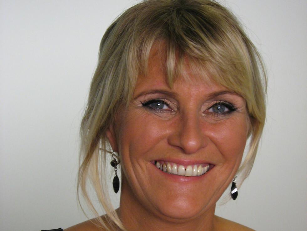 """KILOENE SKAL BORT: """"God morgen Norge""""-programleder Signe Tynning har alltid hatt en flott figur, men nå vil hun bli kvitt de få kiloene hun har lagt på seg etter røykeslutten. Her er hun avbildet i høst. Foto: TV 2"""