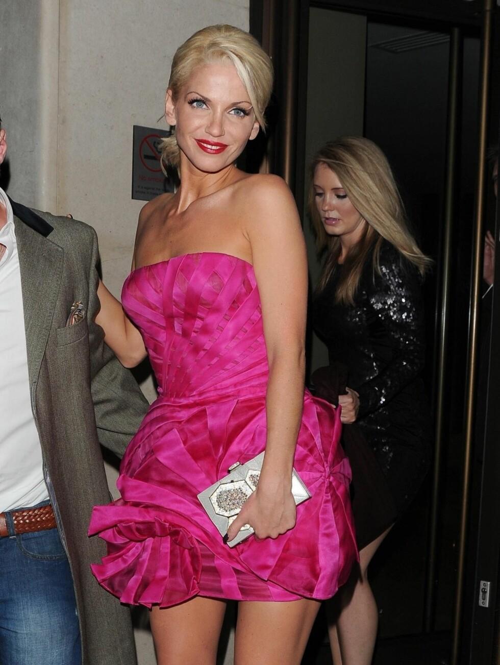 BYTTET KJOLE: Sarah Harding byttet kjole senere på kvelden, i anledning etterfesten. Foto: Stella Pictures