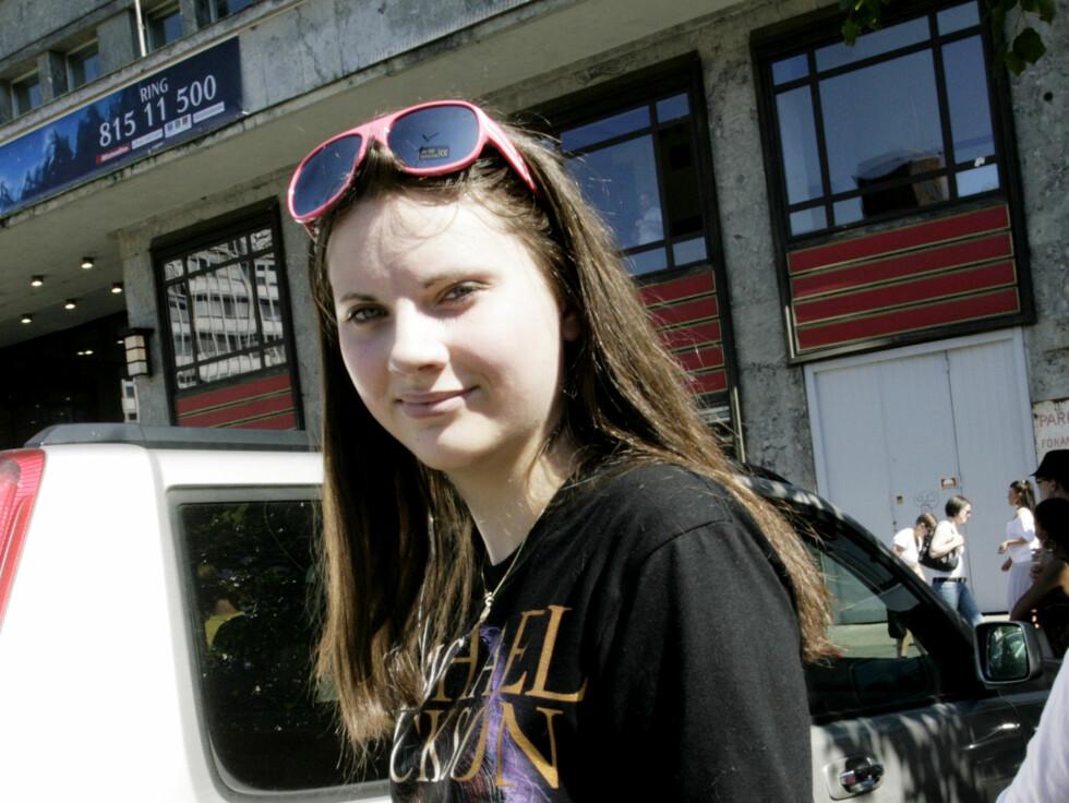 FAN: - Jeg har elsket Michael siden jeg var bitte liten, sa Charlotte E.Olsen (18) til Seher.no. Foto: Kirsti Irgens Ertsås, Seher.no