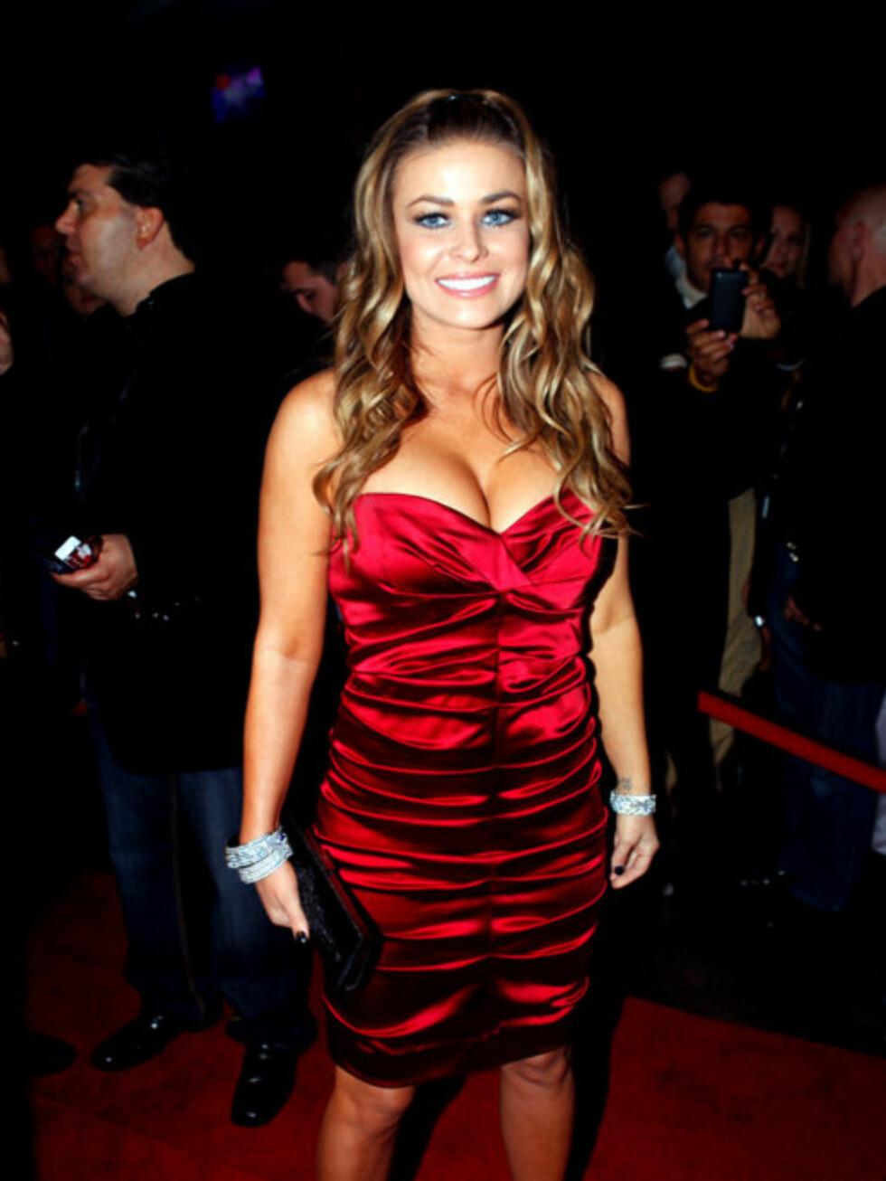 """STRANDBABE: Den tidligere """"Baywatch""""-stjernen Carmen Electra er også glad i en fest. Foto: Stella"""