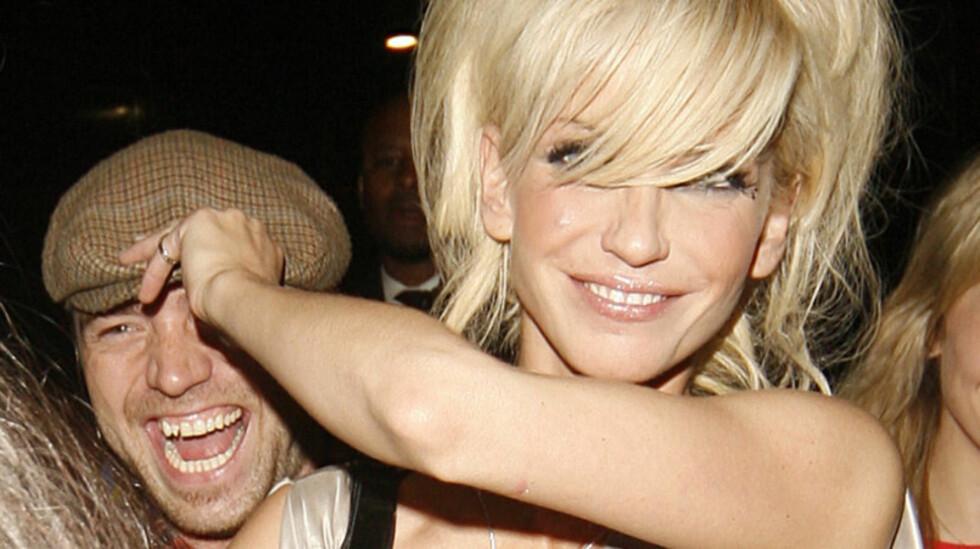 FORLOVET?: Sarah Harding skal ha sagt ja til DJ-kjæresten Tom Crane. Foto: Stella Pictures