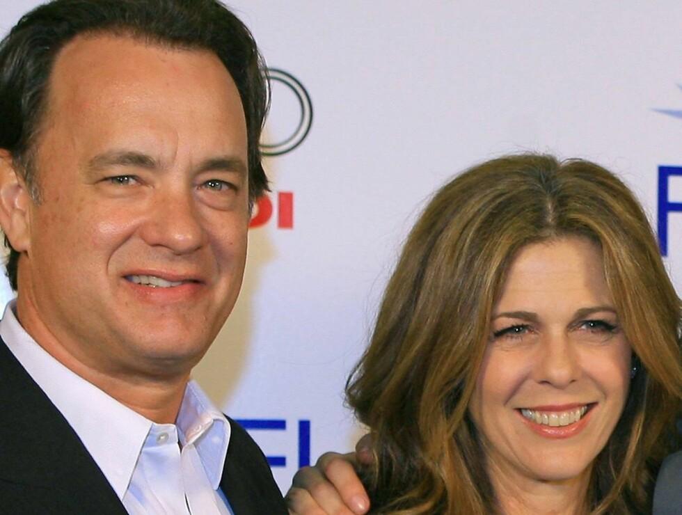 BEKYMRET: Tom Hanks og Rita Wilson er urolige for sønnen etter at han havnet på sykehus. Foto: All Over Press