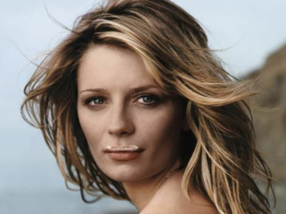 """This photo provided by the Milk Processors of America, shows """"The O.C."""" television series actress and avid milk drinker Mischa Barton, the newest face of the got milk?/Milk Mustache campaign, appearing in advertisement promoting milk consumption that will Foto: AP/Scanpix"""