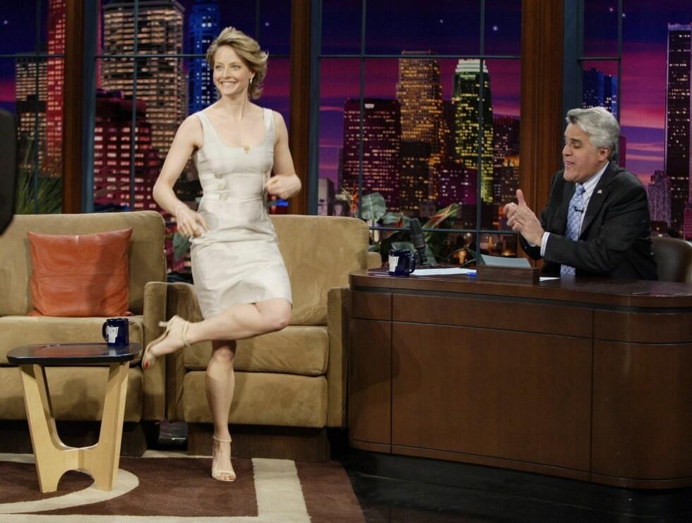 SNART SLUTT: Til våren neste år er det slutt på Jay Lenos Tonight Show. Her er Jodie Foster på besøk. Foto: Stella Pictures