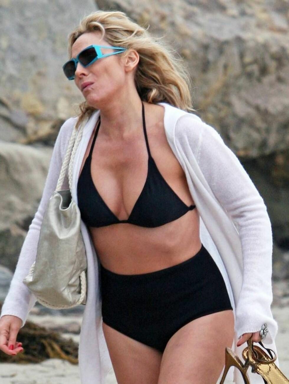 Kim Cattrall (51) beviser at kvinner over 40 - og 50 (!) kan se smashing ut. Foto: All Over Press