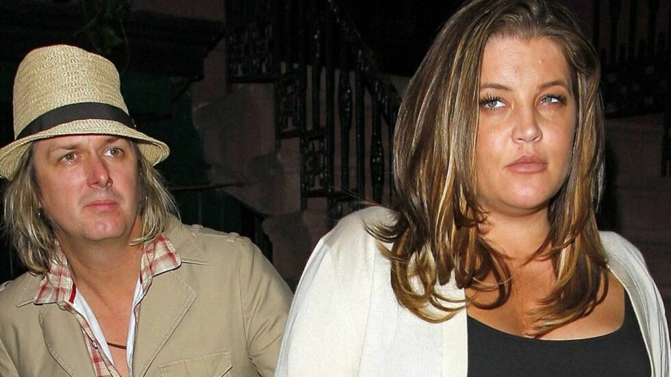 BLIR TVILLINGFORELDRE: Lisa Marie Presley og hennes Michael Lockwood får barn sammen for første gang. Foto: All Over Press
