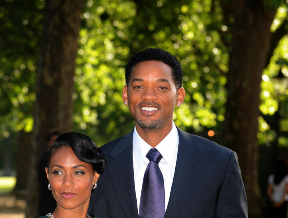 Will Smith og kona Jada Pinkett pyntet for middagen etter showet. Foto: Stella Pictures