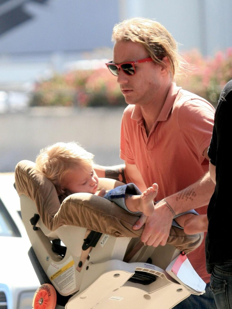MISTET PAPPA: Lille Matilda var Heath Ledgers største kjærlighet. Etter hans tragiske død, må hun leve opp uten pappa.  Foto: All Over Press