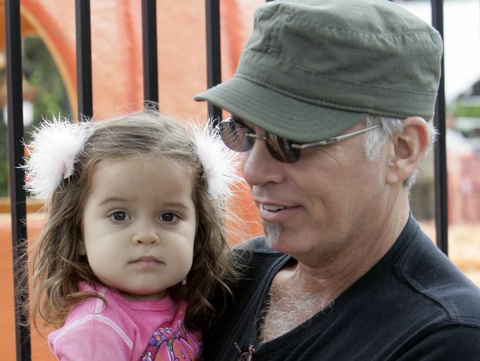 """TØFFING: """"Monsters Ball""""-helten Billy Bob Thornton (52) ble pappa til Bella sent i livet, men hverken alderen eller småbarnsfar-rollen gjør ham mindre sexy.  Foto: All Over Press"""