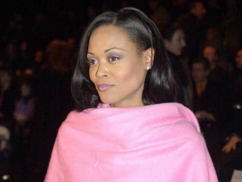**FILE** Robin Givens, arriving at a fashion show in New York on Feb. 7, 2000, struck and critically injured an 89-year-old pedestrian in a Miami, Fla., crosswalk, police said Thursday.  Givens, a star of the 1980s TV comedy ``Head of the Class'' and the Foto: AP/Scanpix