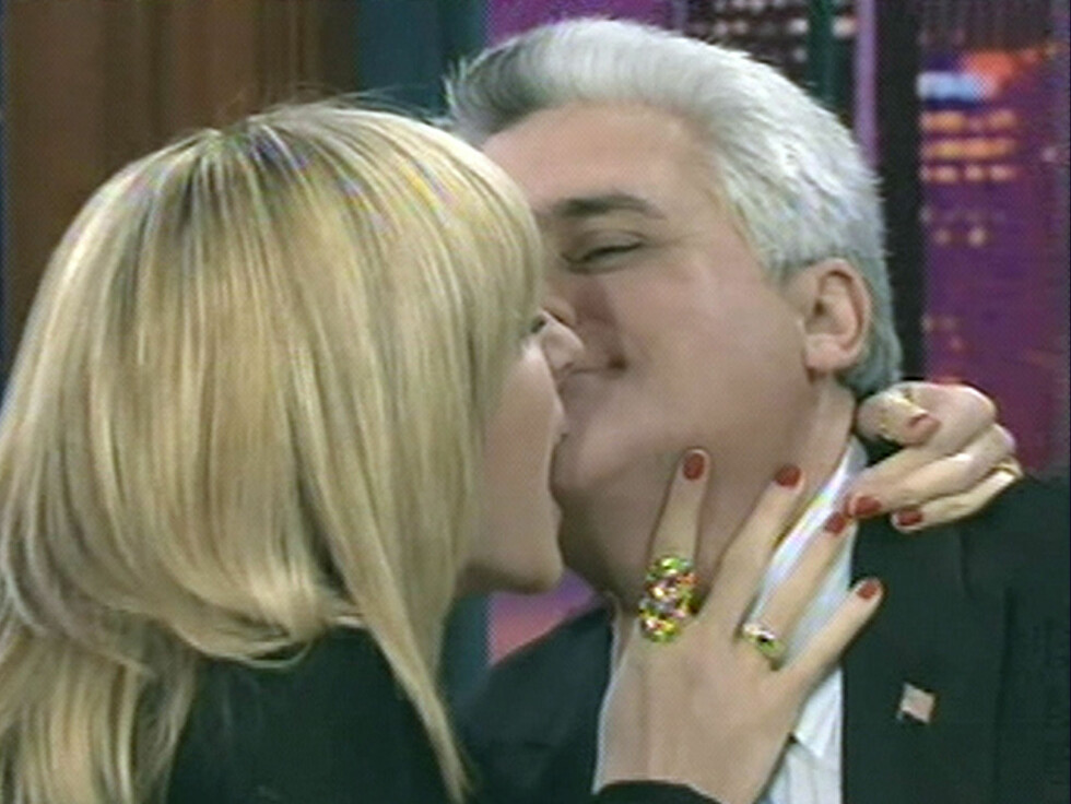 JAFS: Heidi bet seg fast i Jay Lenos berømte hakeparti. Det hadde han ikke noe i mot.   Foto: All Over Press
