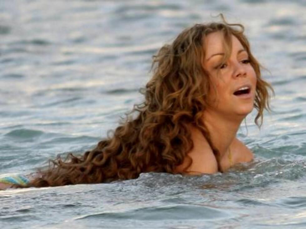 <strong>MAGEPLASK:</strong> Tilslutt var det ikke annet å gjøre enn å kaste seg i vannet for å skjule kroppen. Foto: All Over Press