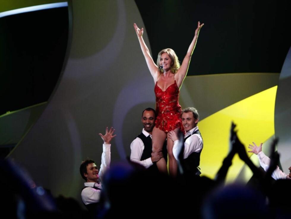 SPREK: Guri Schanke underholdt TV-seerne med et fartsfylt sangnummer. Foto: SCANPIX