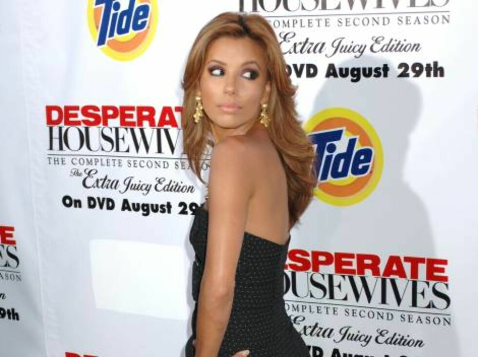 Universal City,USA 2006-08-06  Eva Longoria at the Desperate Housewives: The Complete Second Season Extra Juicy Edition DVD Launch event held at the Wisteria Lane set on the Universal Studios lot.  Photo: XLNY  Code: 4025/LAC  COPYRIGHT STELLA PICTURES   Foto: STELLA PICTURES