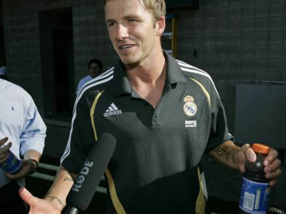 Real Madrid's David Beckham talks with a reporter after a soccer clinic Friday, Aug. 11, 2006, in Salt Lake City.  England head coach Steve McClaren on Friday left him off the squad that will face European champion Greece on Wednesday in an exhibition gam Foto: AP/Scanpix