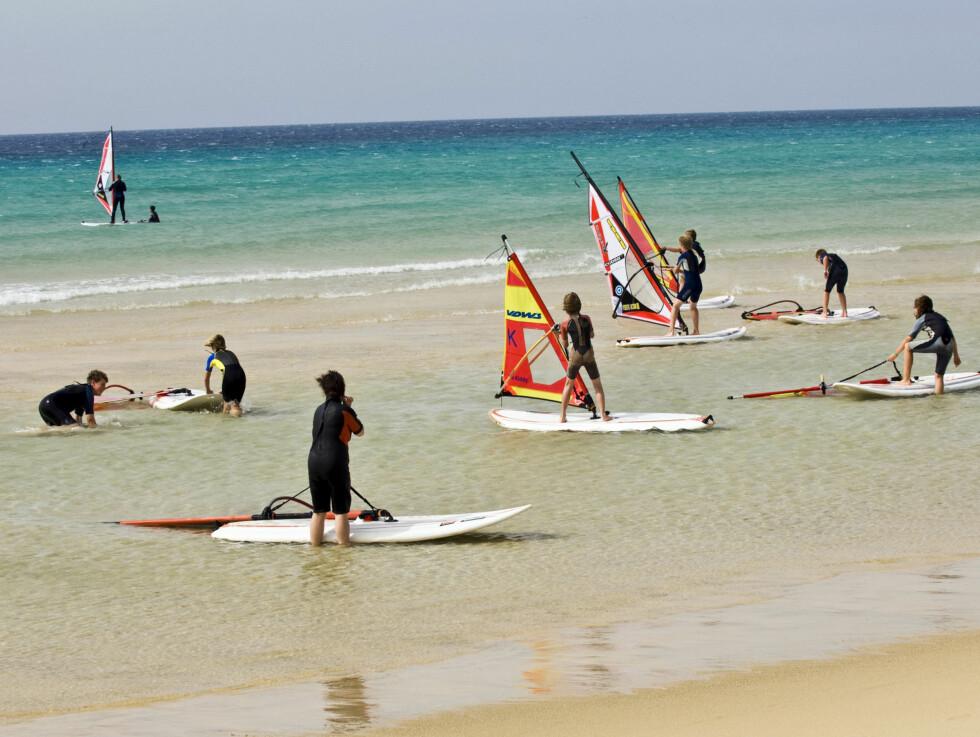 """FOR ALLE: Fuerteventura er nok aller mest kjent som surfeparadis. Men har mye mer å by på enn vind i seilene""""..."""