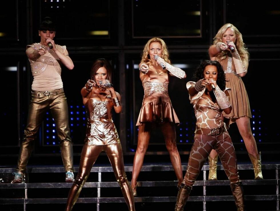 FØRSTE BRITISKE: Hele Spice Girls holdt i går sin første konsert på Britisk jord siden 1998. Foto: AP