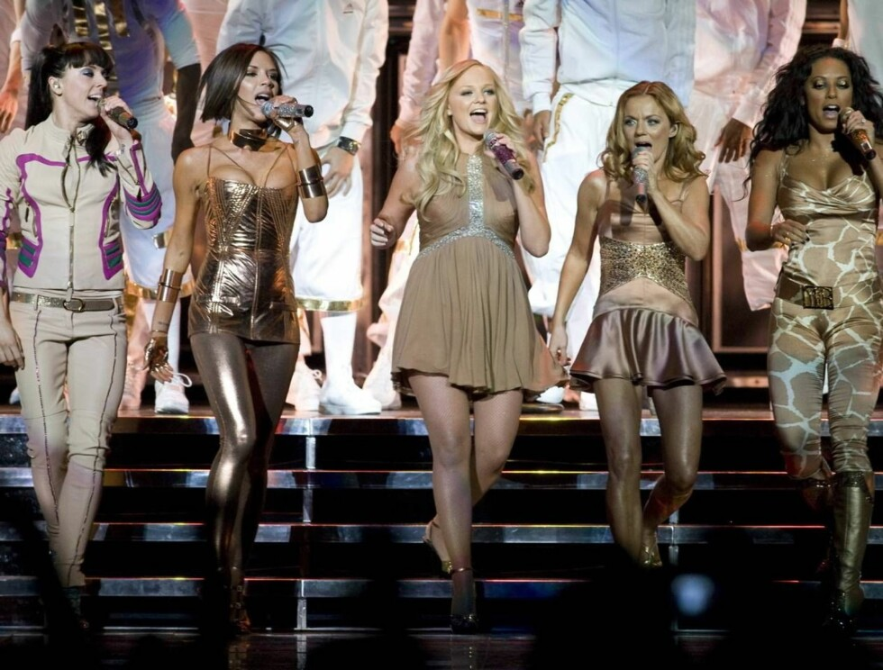 "POWER TO THE WORLD: Spice Girls åpnet konserten med hiten ""Spice Up Your Life"". Foto: Stella Pictures"