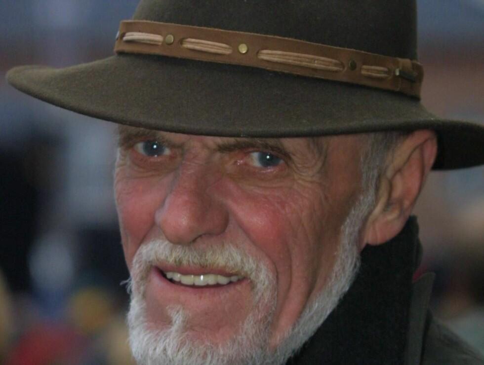 MANGE JERN I ILDEN: Sven O. var både journalist, reklamemann og forlegger. I de siste årene drev han også i underholdningsbransjen. Foto: Se og Hør