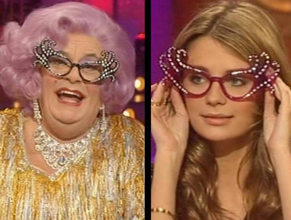 ER VI FINE NÅ?: Dame Edna og Mischa fikk publikum til å juble med sin felles brille-stil. Foto: All Over Press