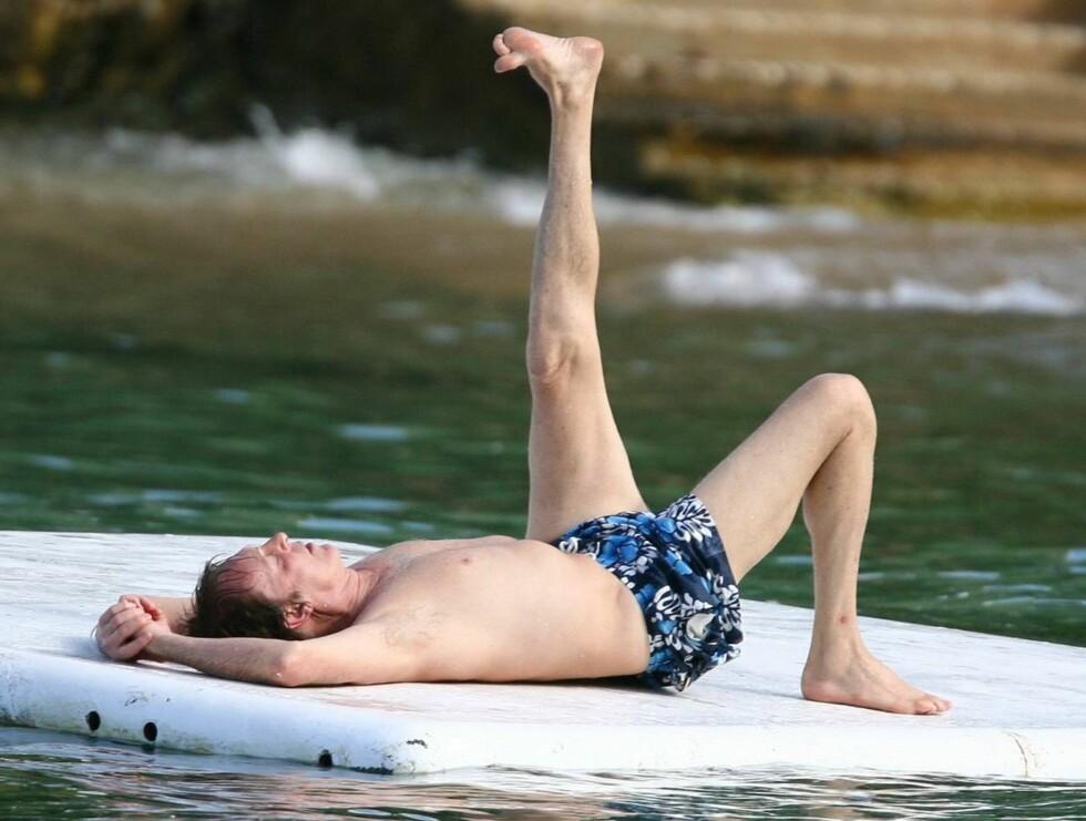 SPREK: Sir Paul holder seg godt, og en liten trim på bøljan blå er sikkert bra for draget på damene. Foto: All Over Press