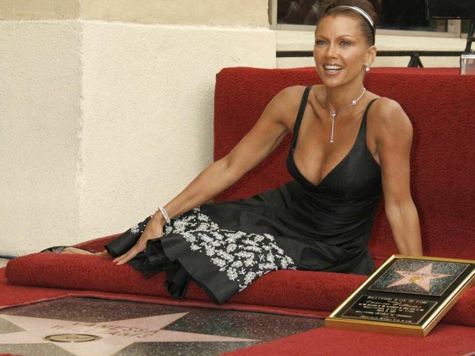 BEVISET: Her er beviset på at Vanessa Williams er en ekte stjerne! Foto: All Over Press