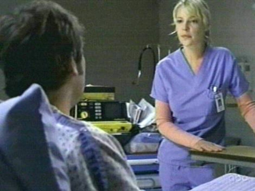 Izzy, played by Katherine Heigl, watches a transplant heart for Denny, Jeffrey Dean Morgan, slip away in the episode and decides to take matters into her own hands. By cutting the cable on Denny's life support she can get her lover moved up the transplant Foto: All Over Press