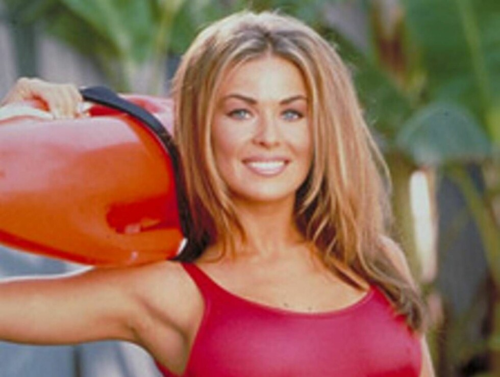 SEXY: Det var i 1996 at Carmen Electra begynte å sende unggutter rett inn i puberteten... Foto: All Over Press