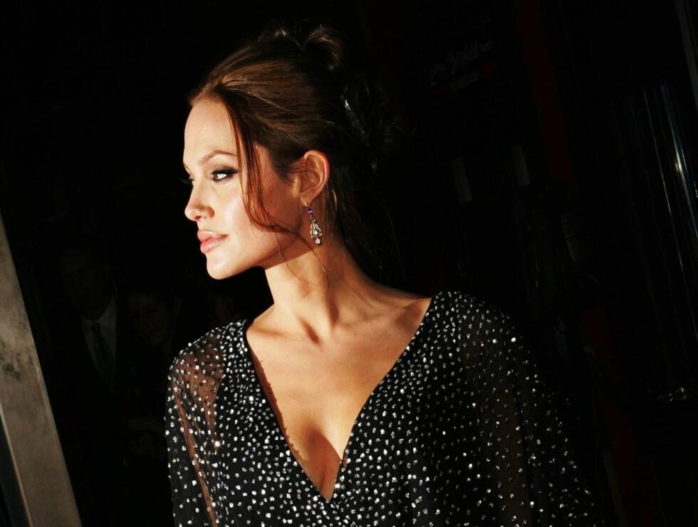VANT: Angelina Jolie har for vane å vinne de fleste kåringer. Men stoltest er nok den hengivne mammaen over denne! Foto: AP/Scanpix