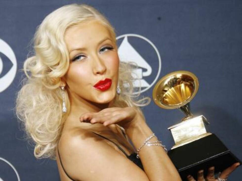 FLOTT?: Platinablond og flott, denne Christina Aguilera. Foto: AP/Scanpix