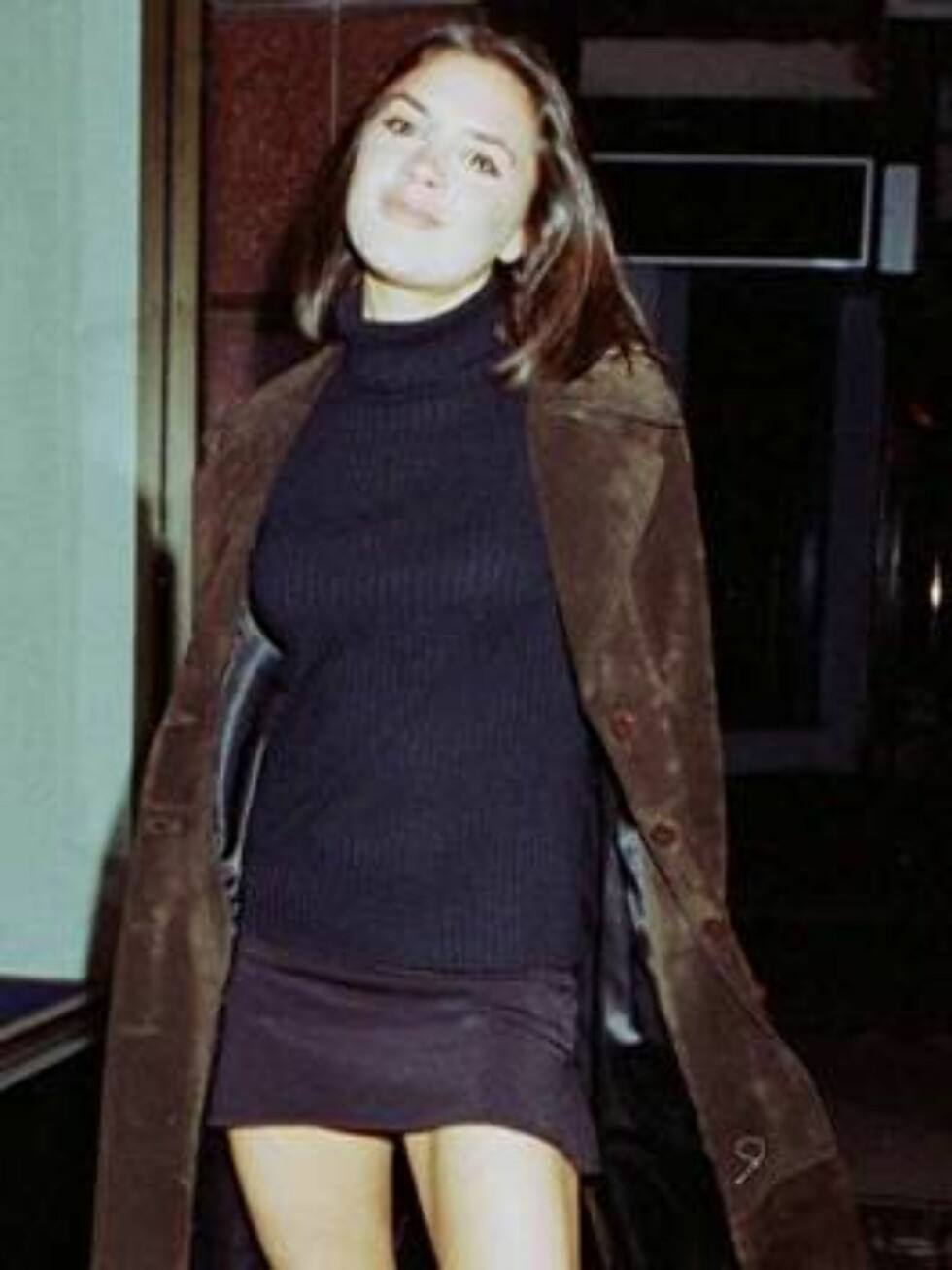"""This is how """"Posh Spice"""" aka Victoria Beckham used to pose for the cameras when she was a member of the Spice Girls in 1997.     Picture by: Jack Ludlam  Ref: JLUK 230107 M EXCLUSIVE   Splash News and Pictures Los Angeles:310- Foto: All Over Press"""