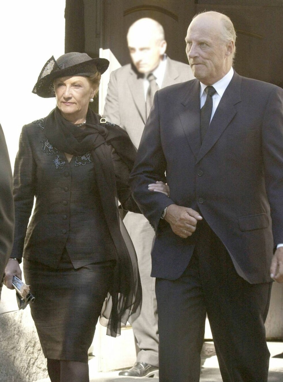 I BEGRAVELSEN: Kong Harald og dronning Sonja Foto: UK PRESS