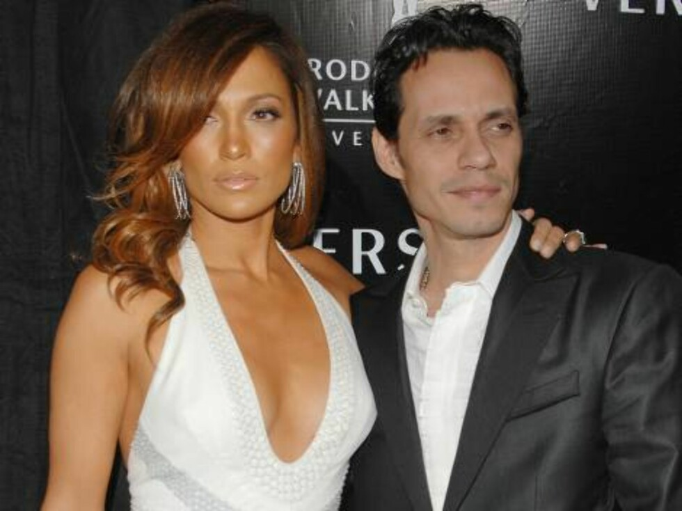 Jennifer Lopez, Marc Anthony Photo by Fernando Allende / Splash News Gianni And Donatella Versace Receive Rodeo Drive Walk Of Style Award at the Beverly Hills City Hall February 08, 2007 - Beverly Hills, California  Ref: AFLA 080207 Foto: All Over Press