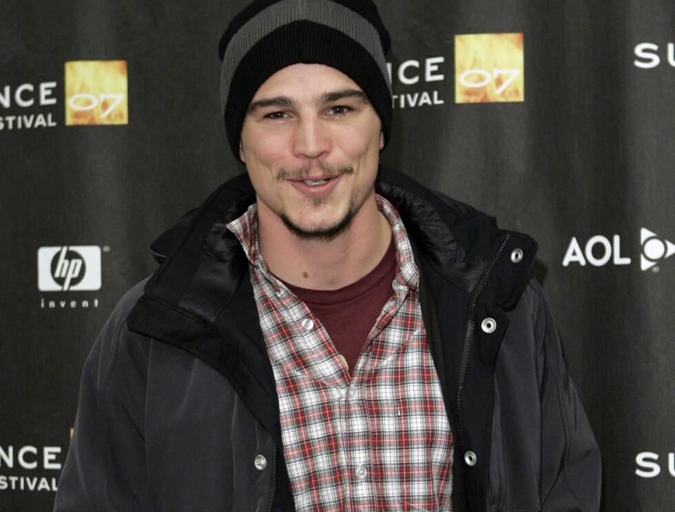 KJEKkAS: Josh får aldri nok av vakre modeller. Nå er han på modell nummer tre etter bruddet med Scarlet. Foto: AP