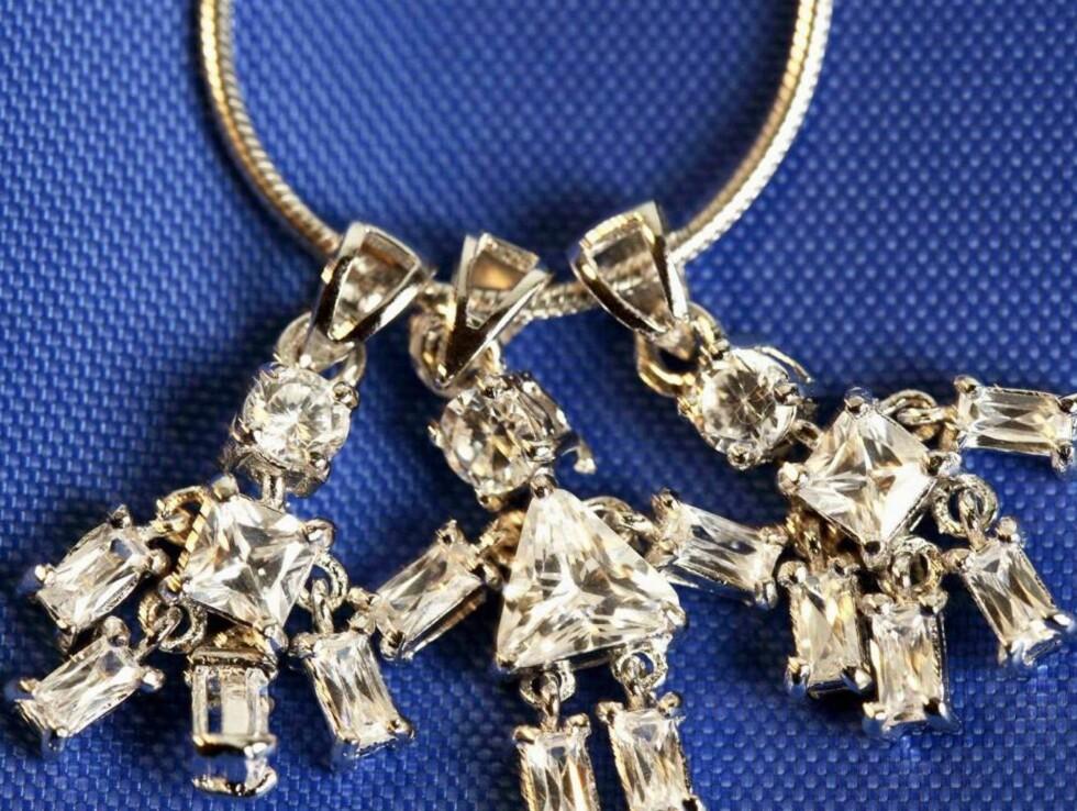 SMYKKET ALLE VIL HA: Etter at Mette-Marit brukte dette smykket, har salget økt betraktelig. Foto: Se og Hør
