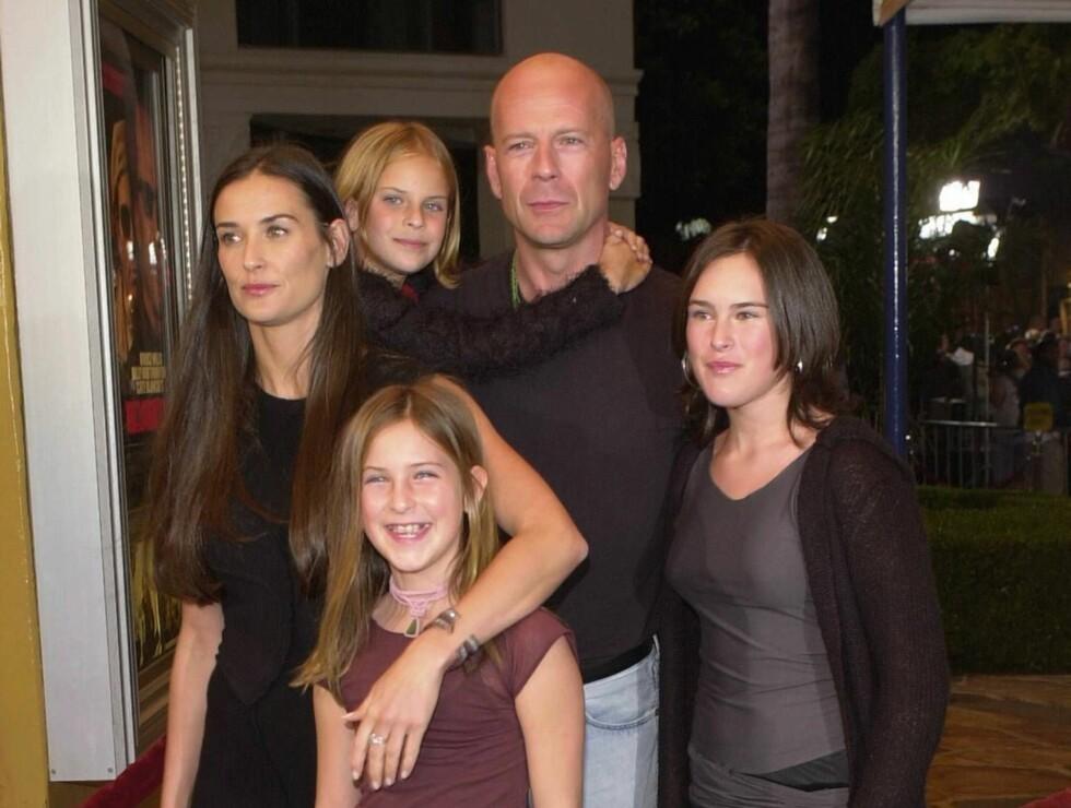 FAMILIE: Demi har barna Rumer, Scout og Tallulah sammen med Bruce Willis. Foto: All Over Press
