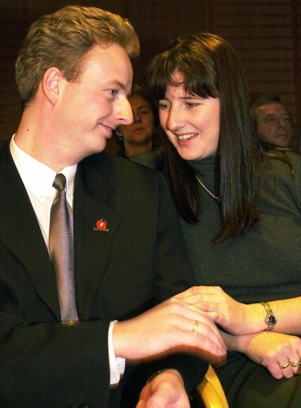 STOLTE FORELDRE: Terje Søviknes og kona Janniche Askeland har fått en liten sønn. Dette bildet er tatt i 2001. Foto: SCANPIX
