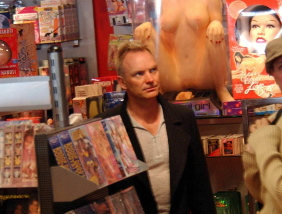 """www.Splashnews.com REF: LEP 300103 A EXCLUSIVE Pictures: London Entertainment Grammy award winning singer """"Sting"""" checks out the various goodies that the """"Hustler"""" store in West Hollywood, Ca has to offer seemingly paying special attention to the 'Divin Foto: All Over Press"""