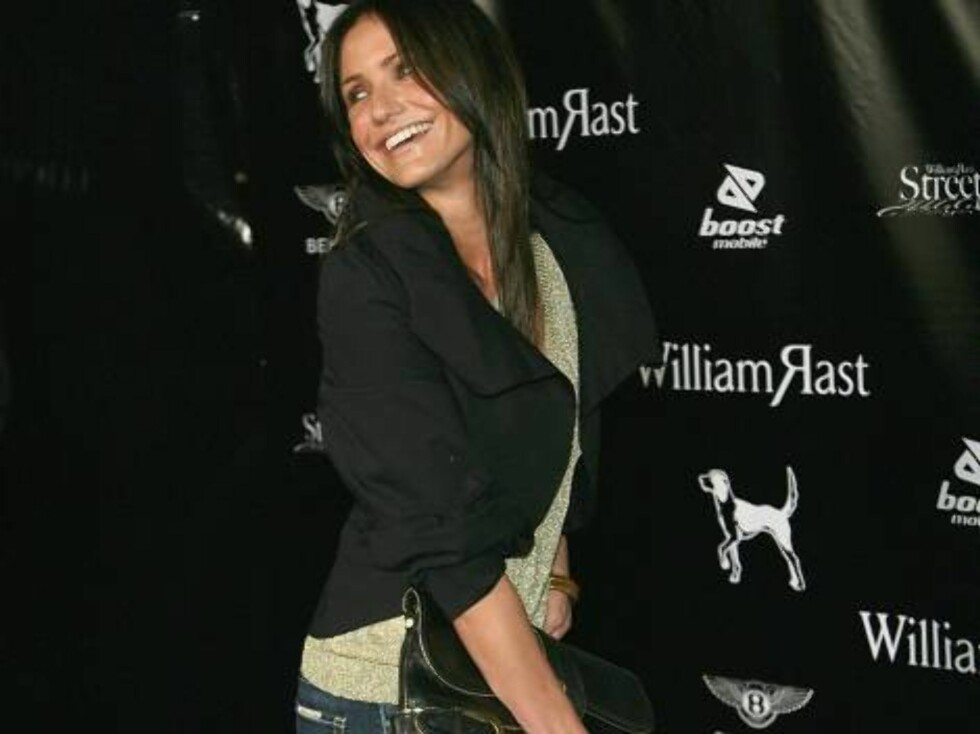 """LOS ANGELES, CA - OCTOBER 17:  Actress Cameron Diaz arrives at the William Rast Spring 2007 """"Street Sexy"""" fashion show at Social Hollywood on October 17, 2006 in Los Angeles, California.  (Photo by Michael Buckner/Getty Images)72168529MB031_William_Rast_ Foto: All Over Press"""