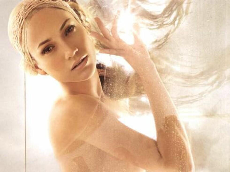 """Jennifer Lopez """"Glow"""". Foto: AP/Scanpix"""