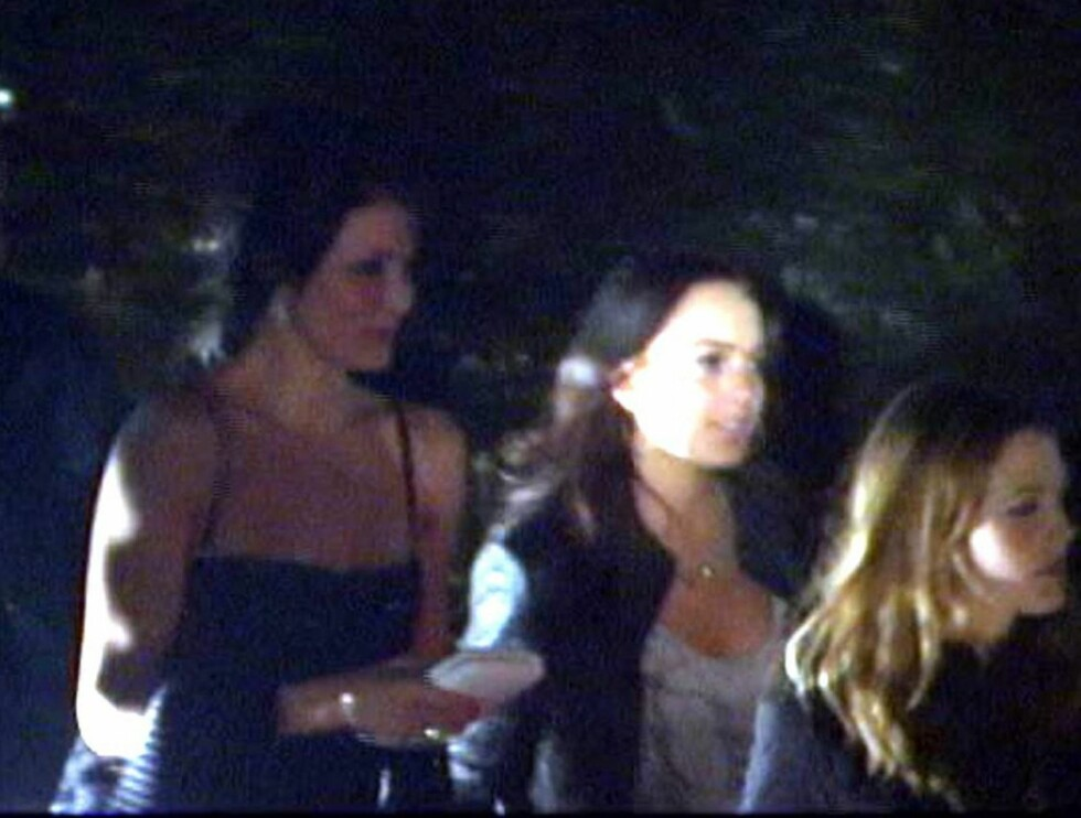 PÅ VIFT: Etter bruddet med Justin har Cameron kastet seg ut i Hollywoods hektiske natteliv. Her er hun på fest med Drew Barrymore og Lindsay Lohan. Foto: All Over Press