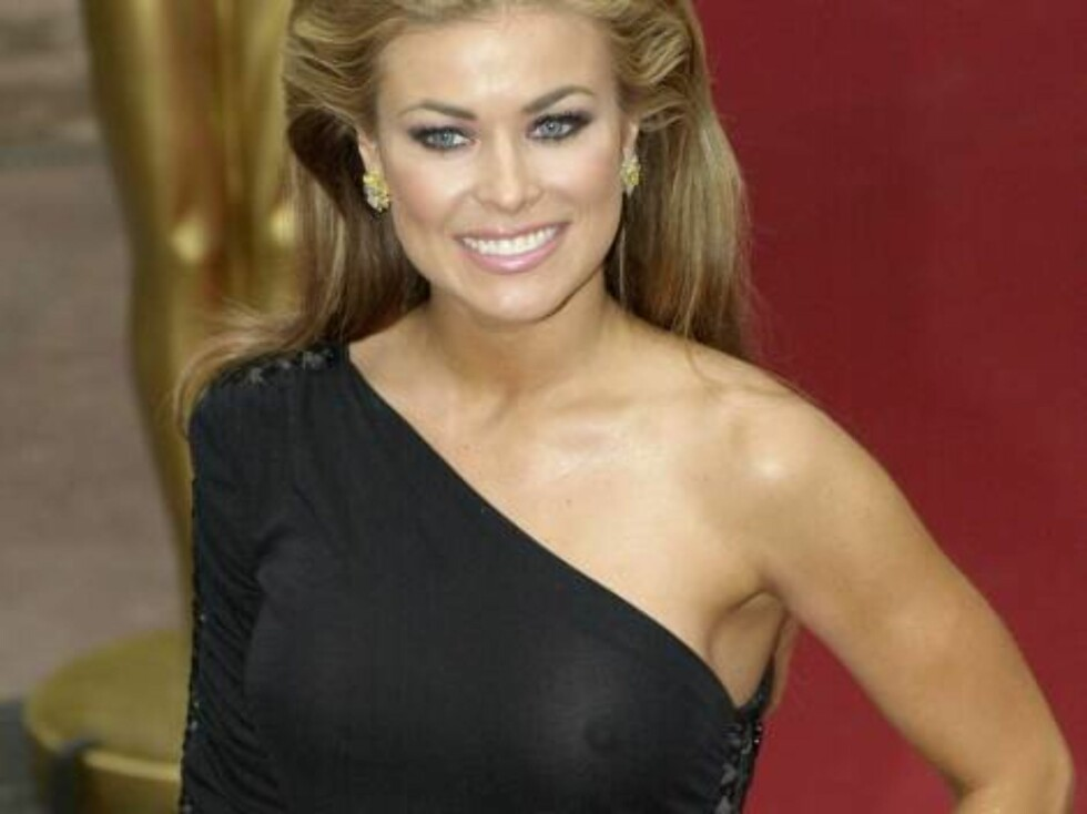 388706 07:  Model and actress Carmen Electra arrives at the World Music Awards (WMA), May 2, 2001 at the Sporting Club in Monte Carlo, Monaco. Electra was the host of the event.  (Photo HY/Newsmakers) ALL OVER PRESS Norway Foto: All Over Press